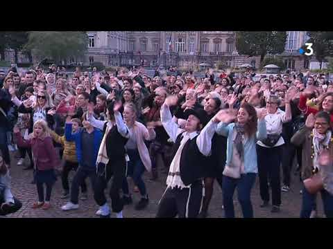 Une flashmob Rabbi Jacob à Lille