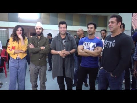 Salman Khan Meets Star Cast Of Film Fukrey Returns