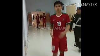 Download Video Serunya TIMNAS U19 saat masuk ke ruang ganti MP3 3GP MP4