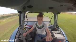 Spreading Fertilizer 2014 - New Holland T6040