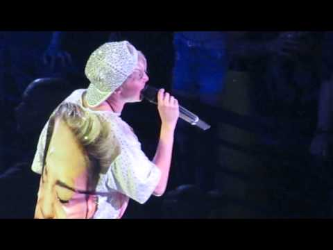 Miley Cyrus 'Landslide' Cover... It's AMAZING