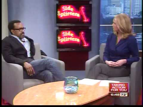 SNL alum Tim Meadows performs at Side Splitters