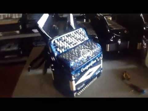 Fabrica de acordeons da Cooperfisa Armoniche a Vercelli - Italia