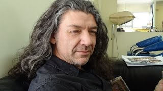 A man cuts his hair after 22 years (Mongo Slade)