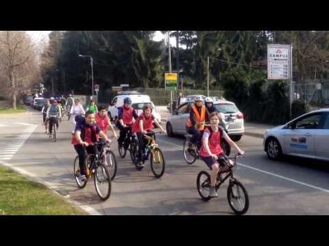 A scuola in bicicletta