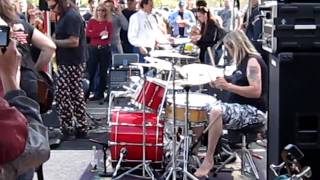 Recorded in Coral Springs, Florida at the Rock 'n' Roll Ribs Grand Opening, Feb. 14th, 2010. Taken with a Canon PowerShot SD960 IS. RnR Ribs Facebook Page: h...
