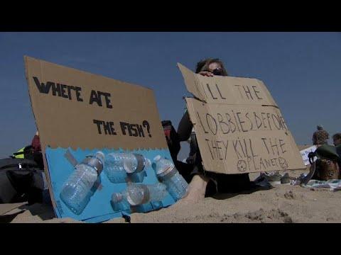 Belgien: Proteste am Strand - Schüler picknicken gegen ...