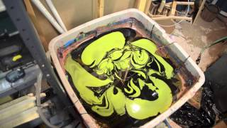 Swirling A Tele Guitar Body With 1 Shot Paints
