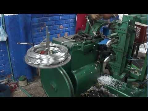 insertadora - Se vende maquina taladro insertadora Borghi Fabrica escobas y cepillos de cualquier modelo, facil de opera, trabaja con agujeros de 4 y 5m Lima Peru contacto...