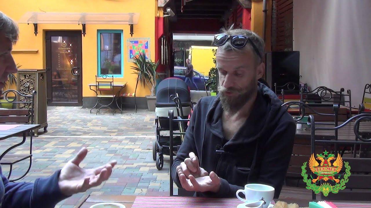 Taureņu ielas Tex Mex kvartālā viesojas tējas baudītājs Eduards Švāns