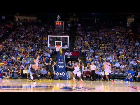 Video: Stephen Curry Hits Three at the Buzzer to End the Half