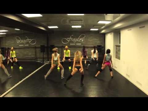 Rus Dans Okulunda Twerk Kapışması!