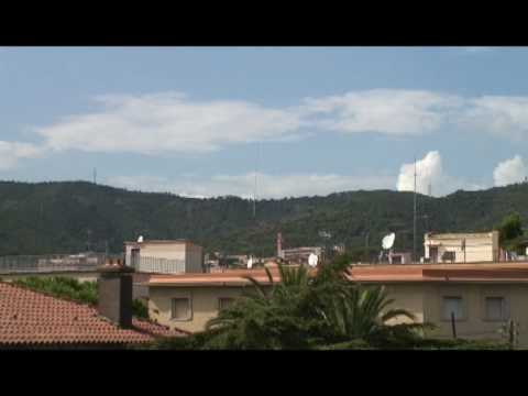 Wideo Feetup Garden House Hostel Barcelona