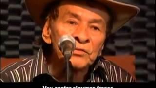 Brasilero que canta en guaraní y lo traduce en portugués. Para toda la gente de BRASIL y PARAGUAY. SALUDOS.