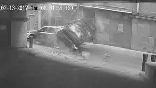 Video Woman survives as her car plunges seven stories MP3, 3GP, MP4, WEBM, AVI, FLV Agustus 2017