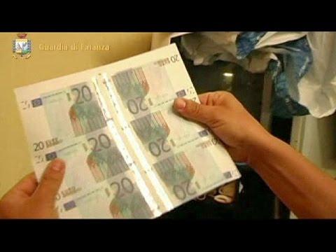 Ιταλία: Τρεις συλλήψεις για πλαστά χαρτονομίσματα κοντά στη Νάπολι