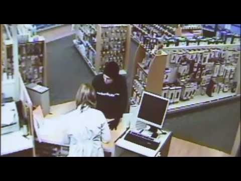 Pharmacist sprays robber in face with pepper spray… meant for GRIZZLY BEARS