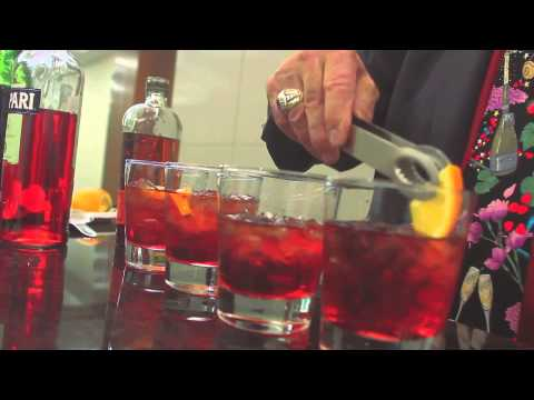 Dale Degroff makes a Bulleit Boulevardier