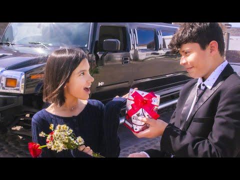 E2 JULIAN PASA POR MI EN UNA LIMOSINA | TV Ana Emilia