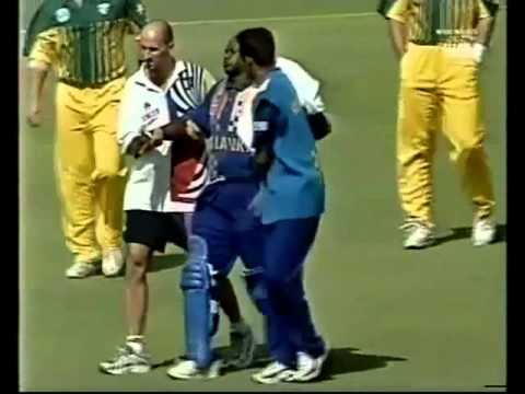 BROKEN ARM - Brendon Julian vs Sanath Jayasuriya, WACA, 1999
