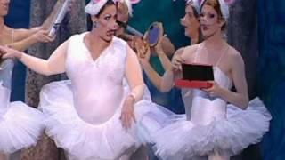 Video Funny Girls - Royal Variety Performance 2005 MP3, 3GP, MP4, WEBM, AVI, FLV April 2019