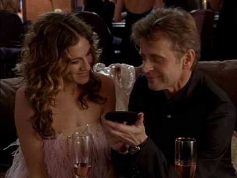 What is that Oh my god   I know this is not the Carrie necklace  SATC S6 E19