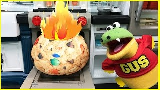 GIANT COOKIE PRETEND PLAY Food Toys Bakery and Play Kitchen Funny Kids Video