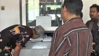 Download Video Ganjar Pranowo Tangkap Basah Pungli Samsat Kota Magelang MP3 3GP MP4