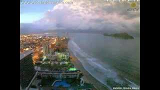 Cumulonimbus and lightning visible from Mazatlán, Sinaloa, Mexico (time-lapse) - August 18, 2012