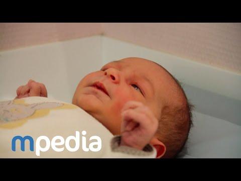 comment nettoyer oeil de bébé