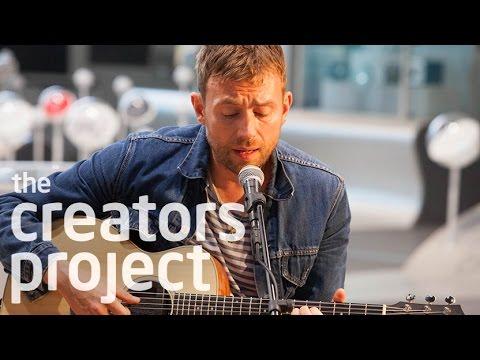 Δύο Androids παρακολούθησαν συναυλία του Damon Albarn! (video)