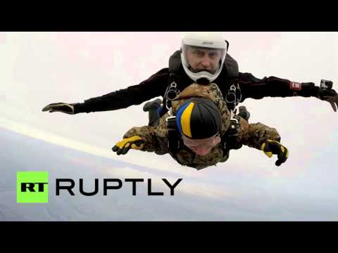 91-летний ветеран ВДВ и Великой Отечественной прыгнул с парашютом ко Дню Победы