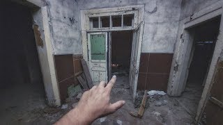 Вернулся в заброшенный дом ведьмы. Я здесь не один. Это ловушка
