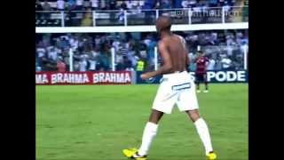 Ex-Atacante do Santos. Joga atualmente pelo Benfica-Portugal.
