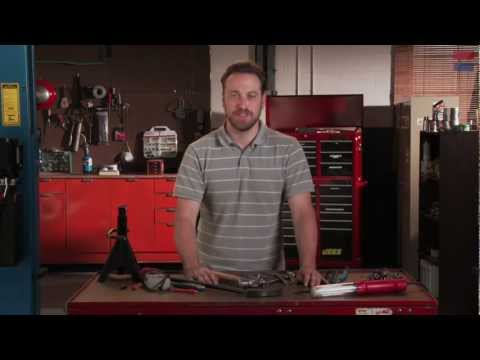 mechanics - In this episode of Saturday Mechanic, Ben Wojdyla shows us his recommendations for the essential tools in anyone's set. Subscribe! http://bit.ly/M7fxsI Who s...