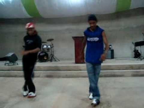 Felipe e Alan   (Hip Hop)   Igreja  Luz Para Os Povos Nova Crixás