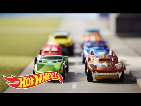 World of Wheels Trailer   Hot Wheels