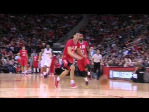 Pablo Prigioni between-the-legs pass to Corey Brewer