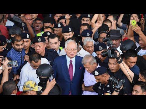 Muss Malaysias Ex-Regierungschef Najib Razak hinter Gitter?
