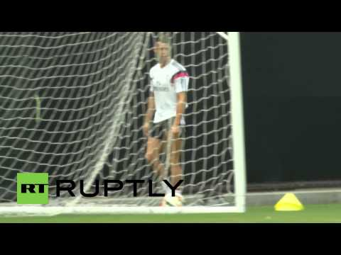 cristiano - Video ID: 20140727-039 C/U Cristiano Ronaldo running M/S Cristiano Ronaldo running C/U Cristiano Ronaldo kicks ball M/S Cristiano Ronaldo walking on field C/U Cristiano Ronaldo walking on...