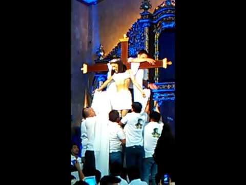 Video Ang Pagbababa sa Krus Kay Hesus- Angono, Rizal download in MP3, 3GP, MP4, WEBM, AVI, FLV January 2017