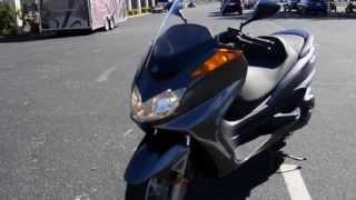 6. 2005 Yamaha Majesty 400 - UC02441