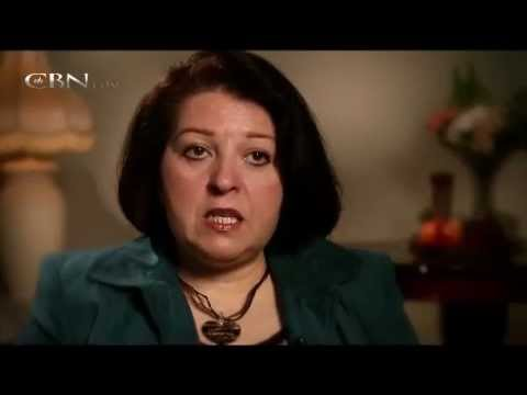 Former Muslim woman saw Jesus Christ and found Peace & Love (Muslim Testimony)