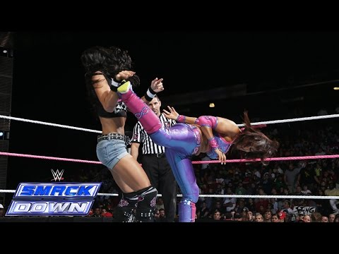 Lee - Divas Champion AJ Lee faces Layla while the best friend combination of Paige & Alicia Fox watch from ringside. See FULL episodes of SmackDown on WWE NETWORK: http://bit.ly/1yiBxts Don't...