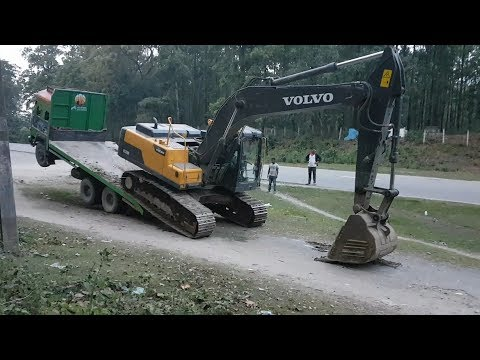 Amazing Video ! Volvo Excavator Unloading From Truck By Experience Driver - Dozer Video 2