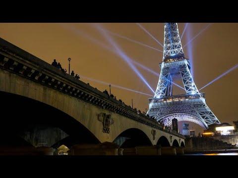 Nach 160 Jahren Freundschaft: Eiffelturm erstrahlt in ...