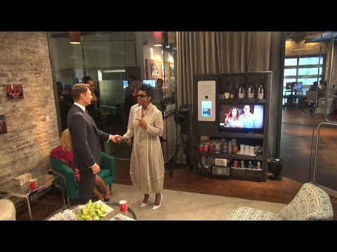 Gladys Knight and Ryan Seacrest in the Toyota Green Room (видео)