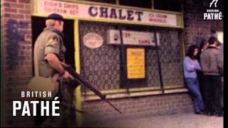 Belfast United Kingdom  city photos gallery : British Troops Patrol - Belfast (1960-1969)