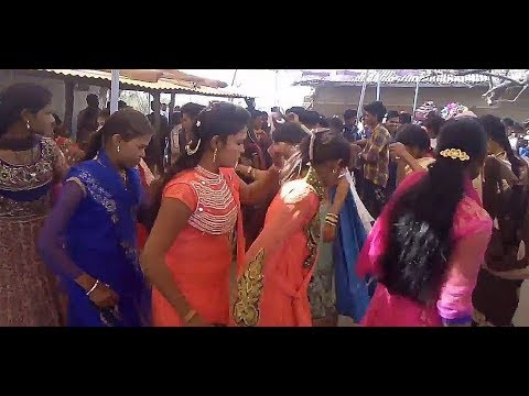 Video Adivasi Shadi Dance Khargone MP !! Adivasi Girls Dance 2018 download in MP3, 3GP, MP4, WEBM, AVI, FLV January 2017