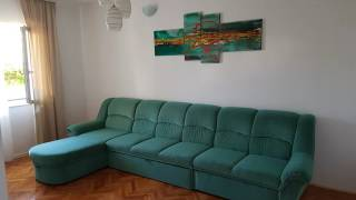Apartment Radić hotel city: Okrug Gornji - Country: Croatia Address: ŠETALIŠTE STIJEPANA RADIĆA 2/A; zip code: 21223  Located 15 km from Split, Apartment Radić offers accommodation in Okrug Gornji. Apartment Radić boasts views of the sea and is 39 km from Hvar. Free WiFi is featured throughout the property. --